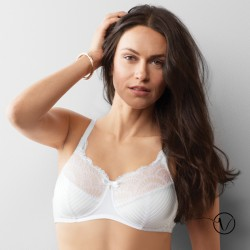Karolina Padded Wireless Mastectomy Bra - White/Nude- Amoena